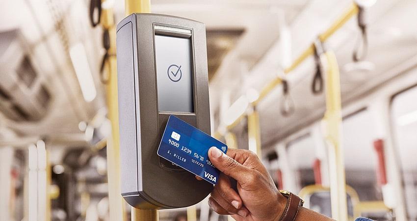 Pagamento com cartão de crédito e débito chega ao transporte público de São Paulo