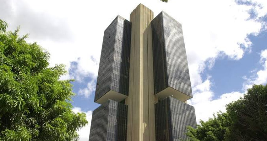 Banco Central abre consulta pública para caixas eletrônicos: correntistas poderiam sacar em terminais de qualquer banco