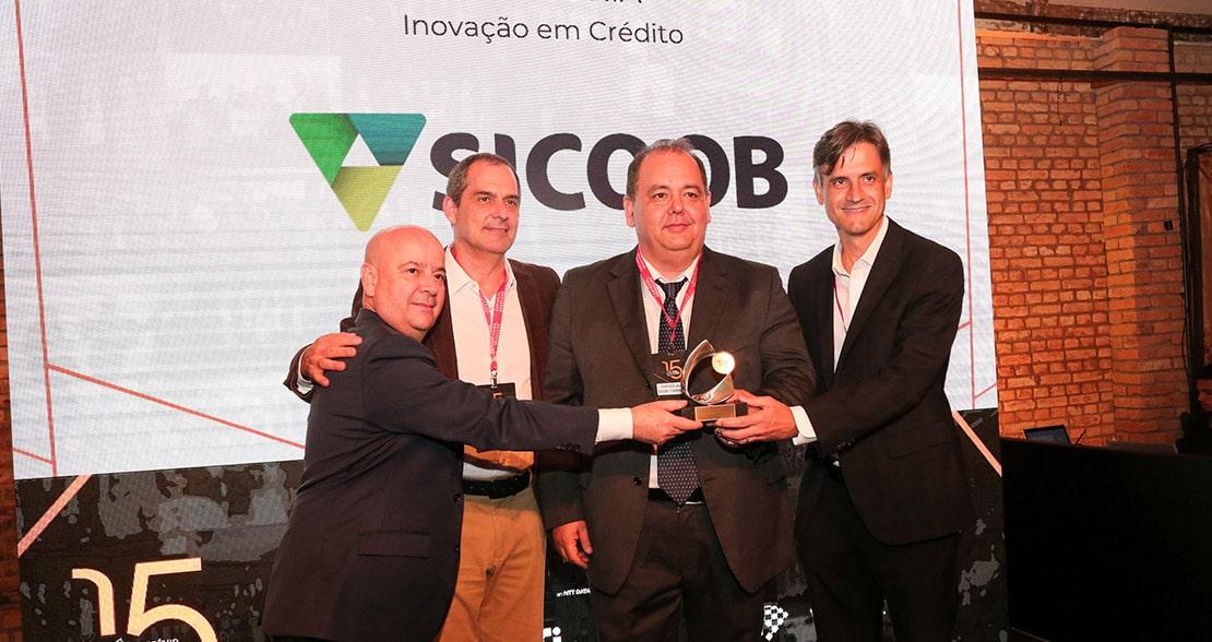 Inspire-se com os vencedores do Prêmio Relatório Bancário: case Sicoob Microcrédito